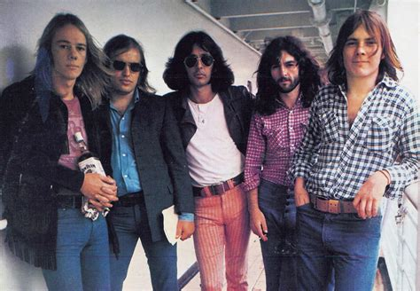 milesago groups solo artists  flying circus