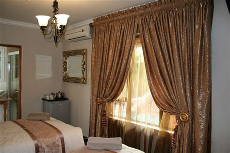 Vanderbijlpark Accommodation Rugs And Curtains Blue Brown Striped Make Thermal Different Curtain Rod Types 45 Length Window Block Out Light What Are Panel For Baby Girl Room