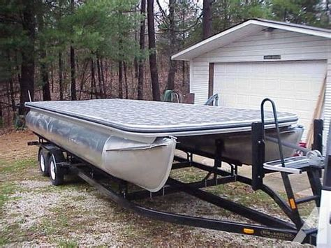 Used Mini Boats For Sale by Best 25 Pontoon Boats For Sale Ideas On Used