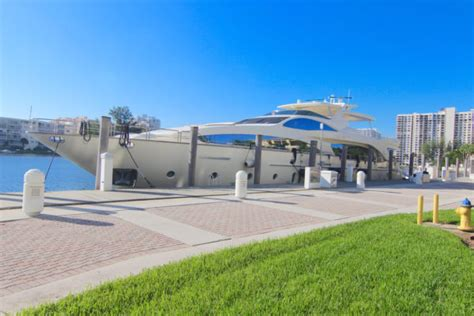 Yacht Rental Miami by Boat Rentals Miami South Florida Yacht Charters