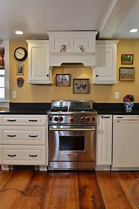 Mixing OLD And New Currier Kitchens