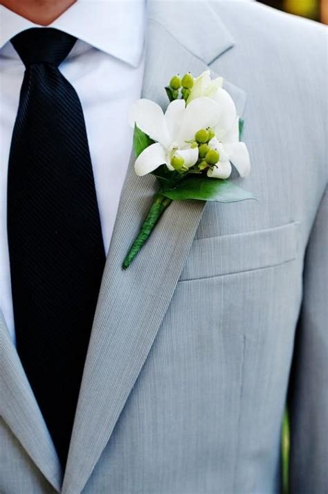 weddbook gray wedding suit black tie  white fresh