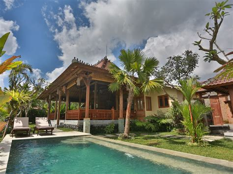 Villa Retreat Overlooking Sweeping Rice