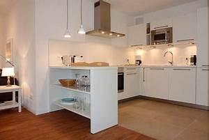 Offene Küche Esszimmer Wohnzimmer : k che offen zum wohnbereich der tresen dient sowohl als optische trennung als auch als stauraum ~ Orissabook.com Haus und Dekorationen