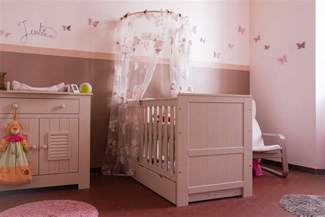 decoration chambre bebe fille rose  taupe idee deco