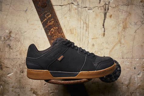 mtb schuhe flatpedal the best flat pedal mountain bike shoes dirt