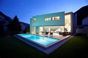 Moderne Häuser Mit Pool : moderne garten mit pool modernes haus mit garten und pool gartens max nowaday garden ~ Markanthonyermac.com Haus und Dekorationen