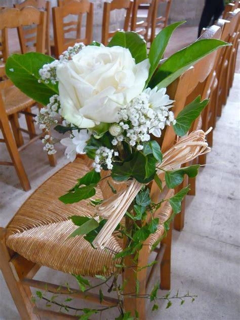 decoration chaise mariage lierre roe blanche gypsophile feuille de magnolia et