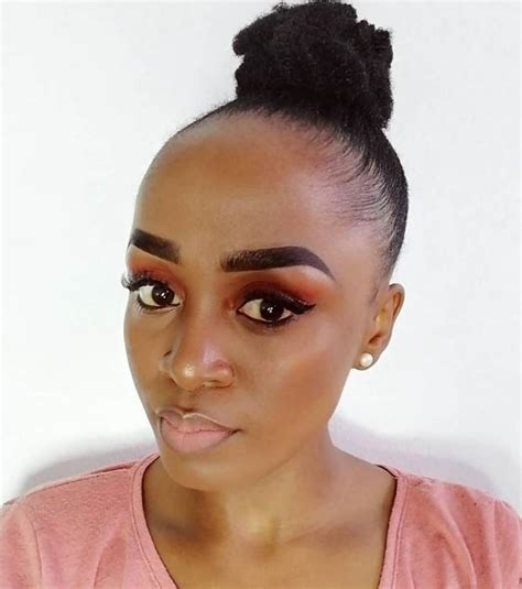 7 striking hairstyles for girls to flaunt with big foreheads