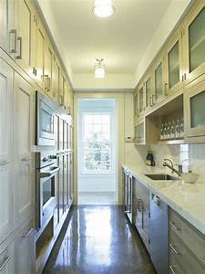 Interior designs for long and narrow kitchens for Kitchen design for long narrow room