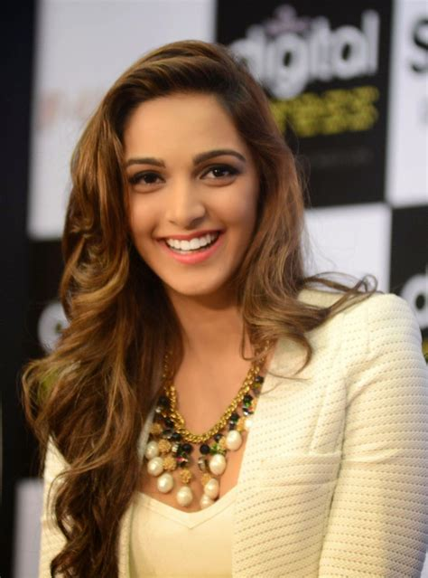 Kiara Advani Showcasing Her Super Sexy Legs And Cleavage At Film Fugly Trailer Launch Event In