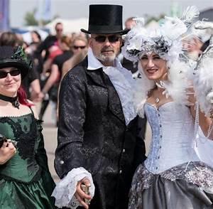 Gothic Szene Berlin : gothic szene feiert ihre stars beim festival m 39 era luna welt ~ Markanthonyermac.com Haus und Dekorationen