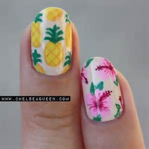 Diced pinapples like nail summer and pineapple nails
