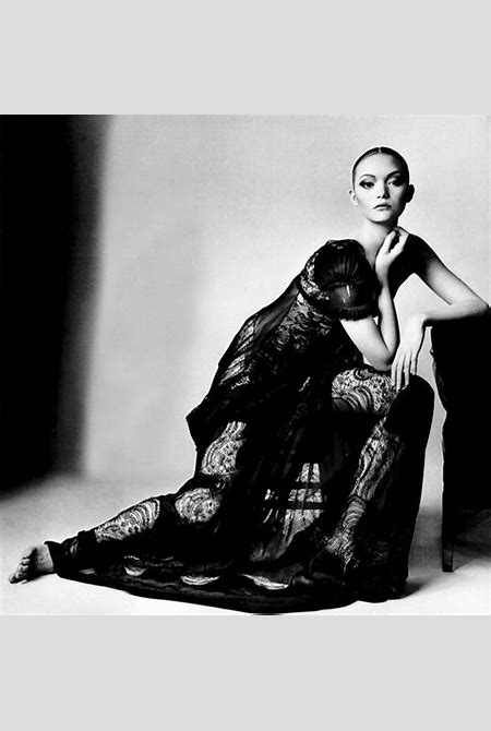 Classic Fashion And Celebrity Photography by Leading Photographer Irving Penn — Photography Office