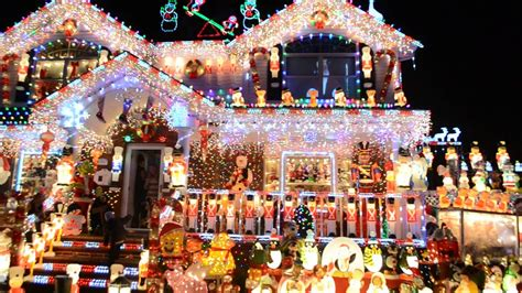 best chrsitmas lighting on east side whitestone family to compete for best lights on abc
