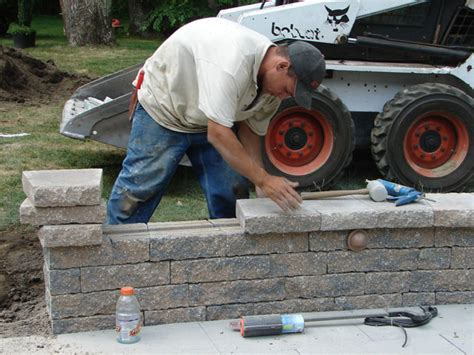 How To Build A Patio by How To Build A Kidney Shaped Patio And Sitting Wall How