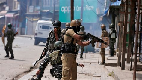 indian soldier army major killed   days  clashes