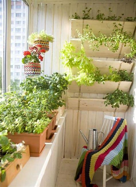herbes aromatiques cuisine mini jardinières et pots d intérieur aux herbes aromatiques