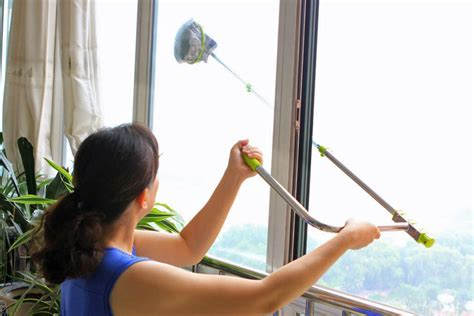 outside windows clean window cleaning winter cleaner ways before tool apartment kit thespruce eenvoudige dirty shaped strip these telescopic