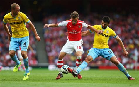 (Image) Arsenal Star Aaron Ramsey Chills With Wife Colleen ...