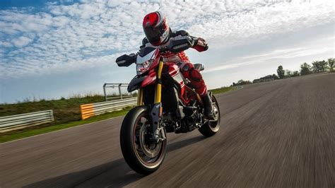 Ducati Hypermotard Hd Photo by Ducati Hypermotard Photos Pictures Pics Wallpapers