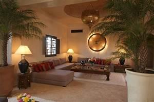 Salon Oriental Moderne : salon marocain maroc int rieur pinterest villas d co et salons ~ Preciouscoupons.com Idées de Décoration