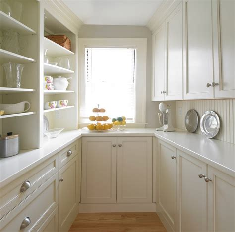 Stunning Butlers Pantry Decorating Ideas