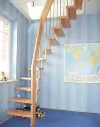 dachboden treppen über 1 000 ideen zu raumspartreppen auf treppen treppe und bodentreppe