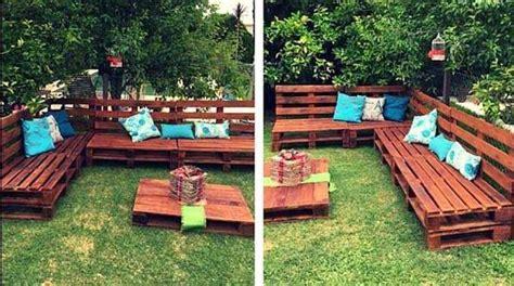 comment faire un salon de jardin sur roulettes avec des palettes en bois
