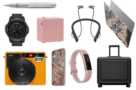 Lightweight tech accessories for AW17 | Global Blue