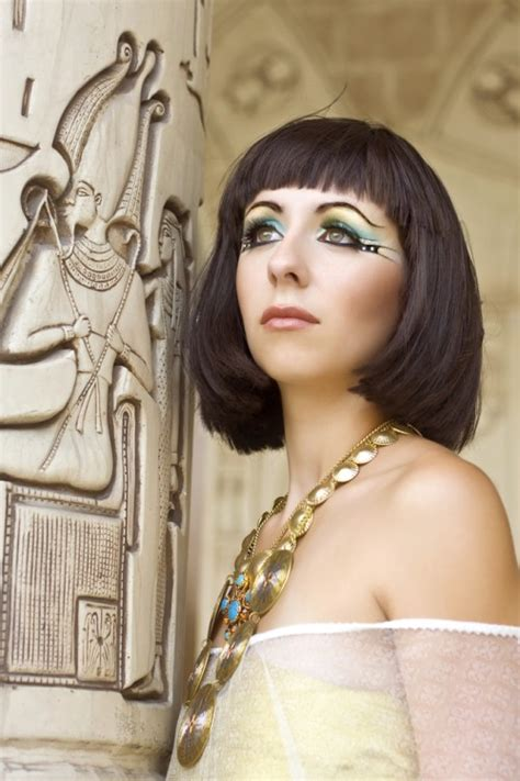 cleopatra inspired collection shown  paris orogold