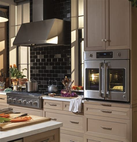 cafe ctshss   smart single french door electric wall oven  true convection wi fi