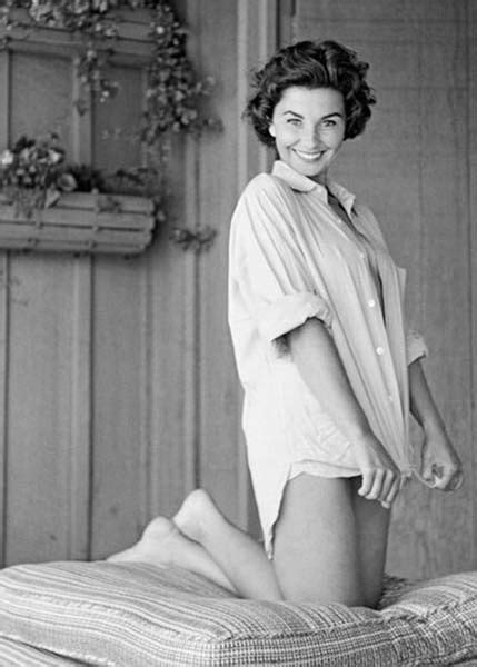actress jean simmons movies jean simmons hot quotes biography filmography jean