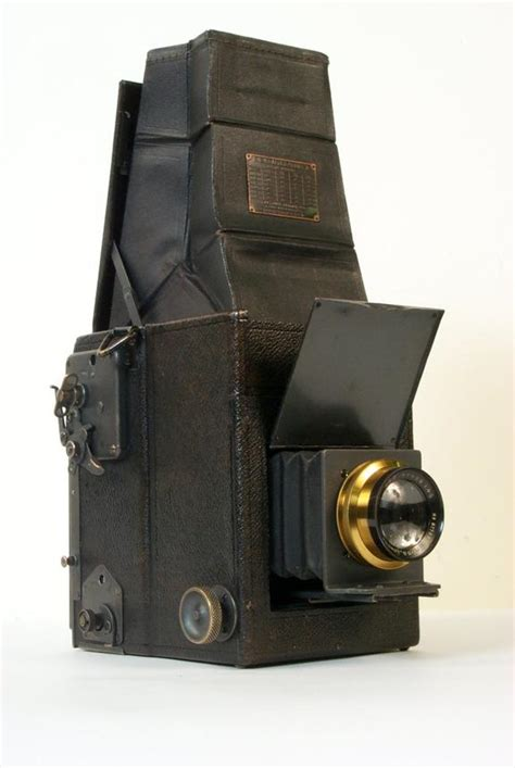 graflex camera series  science museum group collection