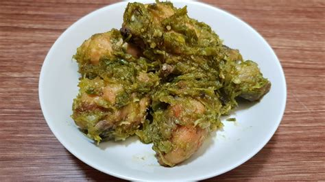 Balado adalah teknik memasak khas minangkabau dengan cara menumis cabe giling dengan berbagai rempah, biasanya cape keriting ijo ini sendiri biasanya lebih memiliki cita rasa yang sangat pedas, beda dengan resep sambal hijau jawa yang tingkat kepedasanya jauh. Resep Ayam Cabe Ijo: 5 Varian yang Sedang Hits! - Notepam