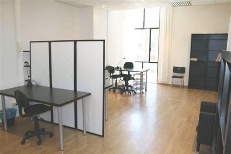 posta uffici ufficio arredato 6 postazioni di lavoro gruppi di lavoro