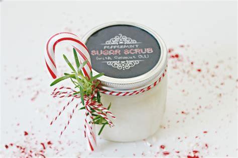 hometalk    peppermint sugar scrub   holiday gift