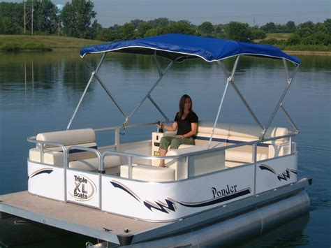 Small Pontoon Boats by Best 20 Electric Pontoon Boat Ideas On