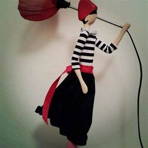 Lampe Frau Mit Schirm : skitso design figure lamp uplighter handcrafted puppet with lamp shade and hand made dress ~ Frokenaadalensverden.com Haus und Dekorationen