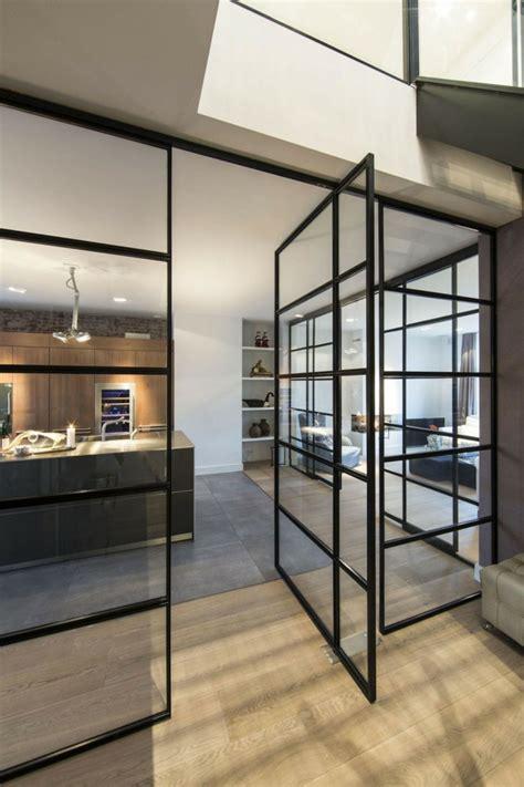cloison vitree cuisine la cloison en verre est un moyen élégant d 39 organiser l