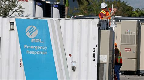 fpl communications overwhelmed  outage reports