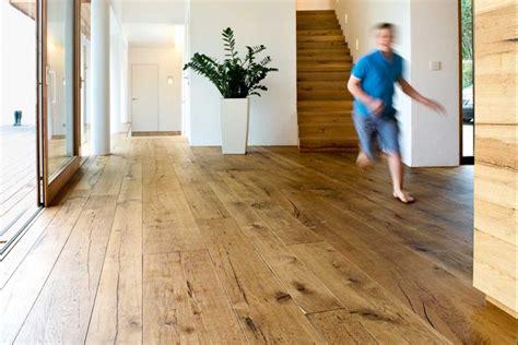 Nachhaltiges Holzhaus  Moderne Einfamilienhäuser