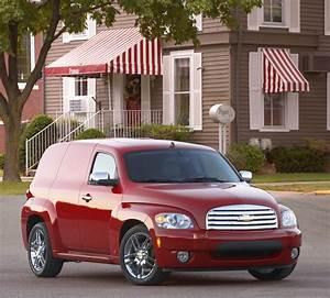 2009 Chevrolet HHR Review: Chevrolet's 1940s Suburban