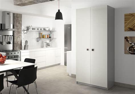 pratique cuisine deco cuisine armoire blanc