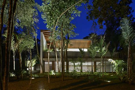Luxurious Home Uses Wood And Elements To Interiors And Exteriors by Luxurious Home Uses Wood And Elements To