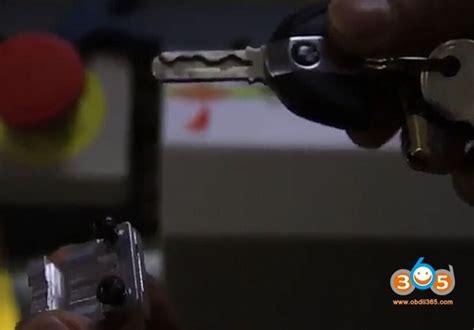 Bmw Automobile & Motorcycle Key Cutting By Sec-e9 Key