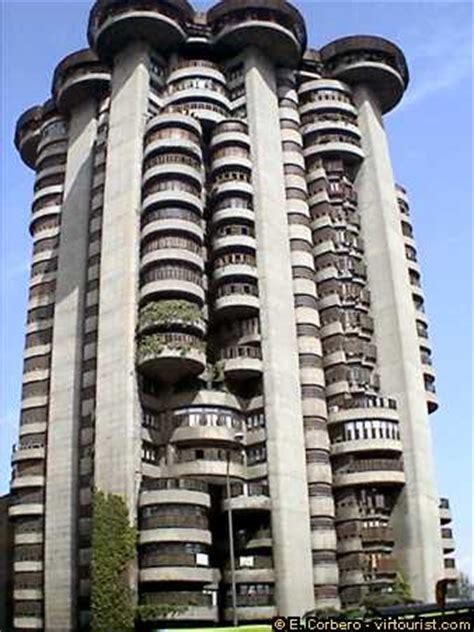 40/46.  Madrid, Torres Blancas Building . VIRTOURIST.COM