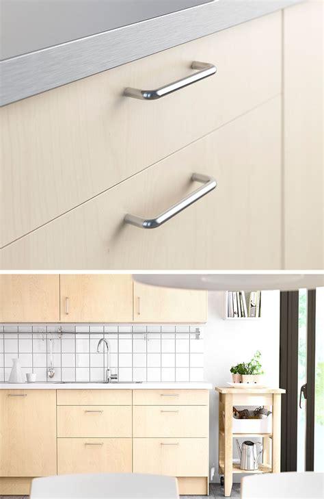 kitchen cabinet door pulls 8 kitchen cabinet hardware ideas for your home contemporist