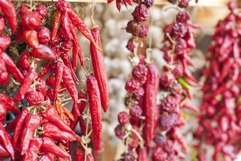 guide   common types  dried chile peppers