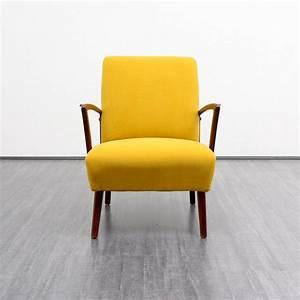 photo de fauteuil jaune avec accoudoirs bois photos de With fauteuil couleur design